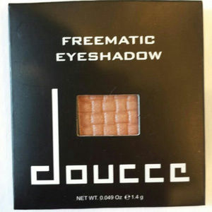 Doucce Freematic Shimmer Eyeshadow 54 Veronica